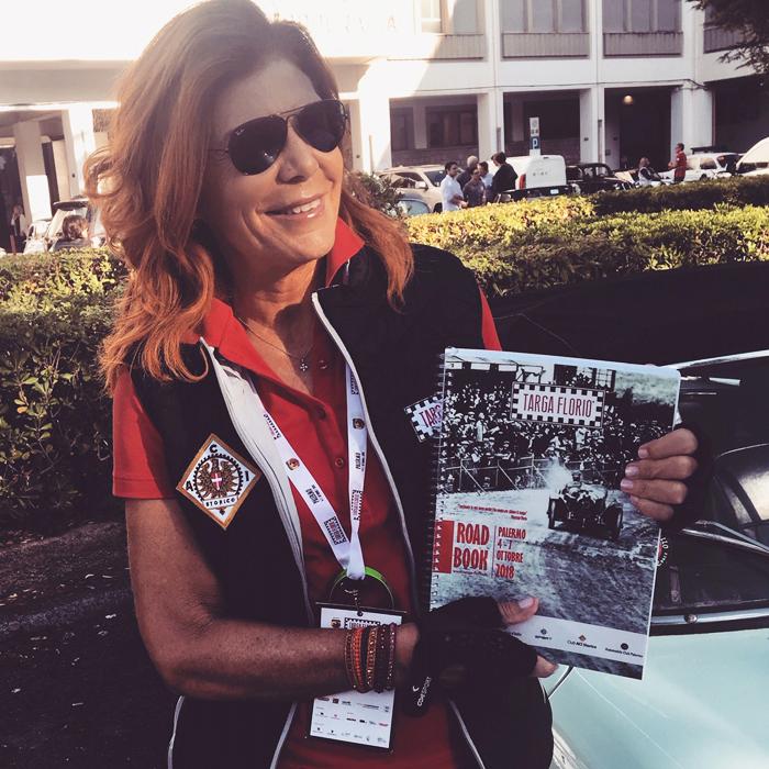 Prisca con il road book della Targa Florio Classica